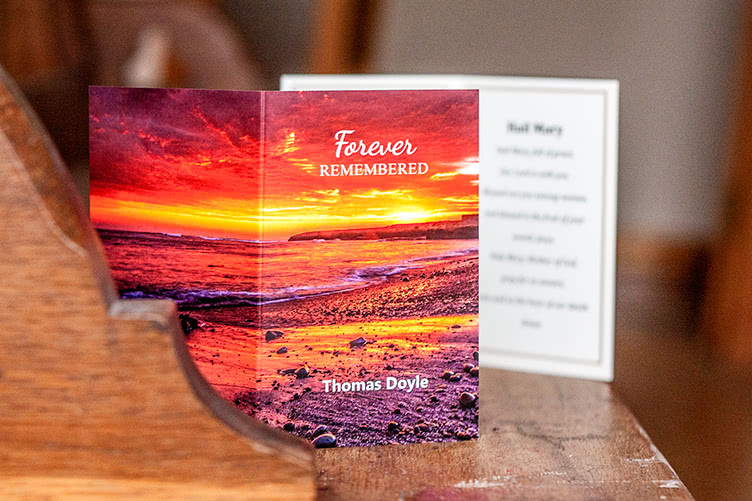 colorful-scenic-memorial-card-front-and-back