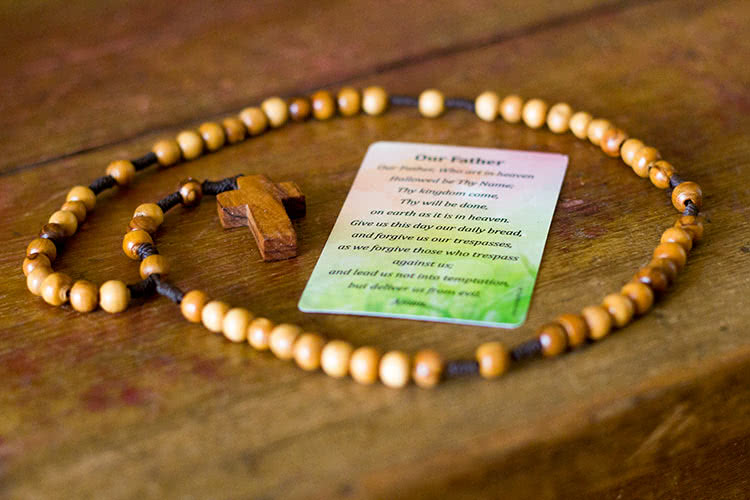 wallet-prayer-card-with-rosary